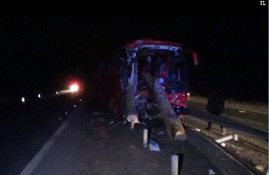 Ужасная авария наЖитомирщине: столкнулись пассажирский автобус илесовоз, есть пострадавшие